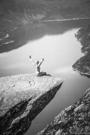 040 Norwegia Tyssedal Trolltunga Skjeggedal Ringedalsvatnet