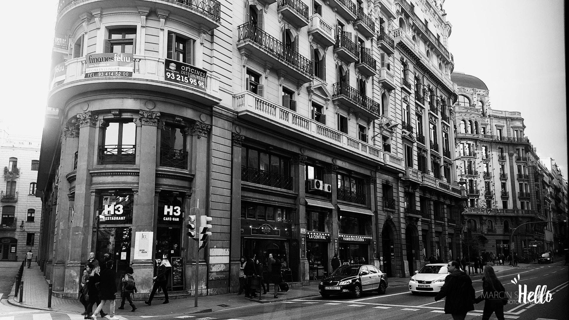 Barcelona streets and doors (1)