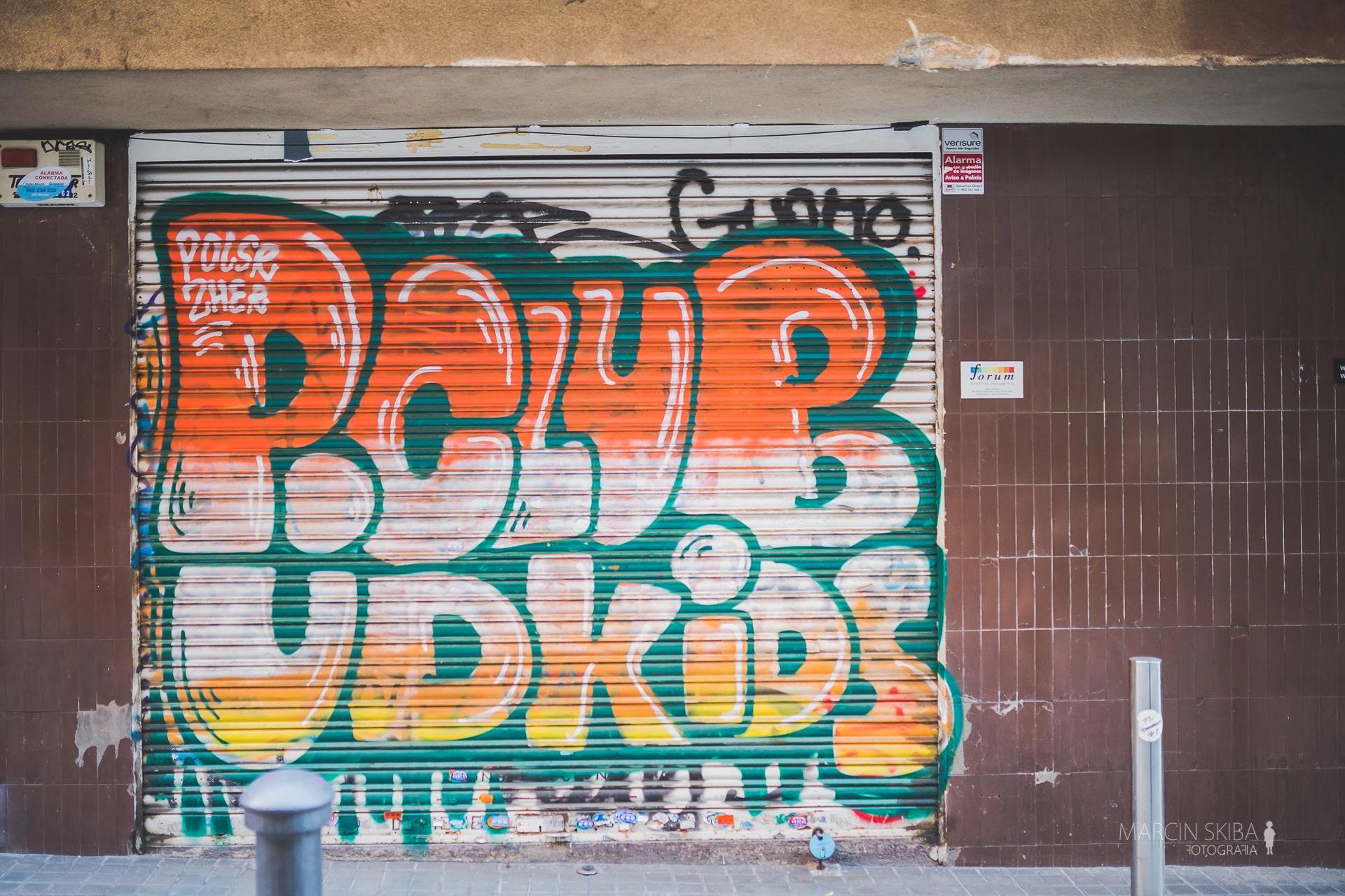 Barcelona streets and doors (21)