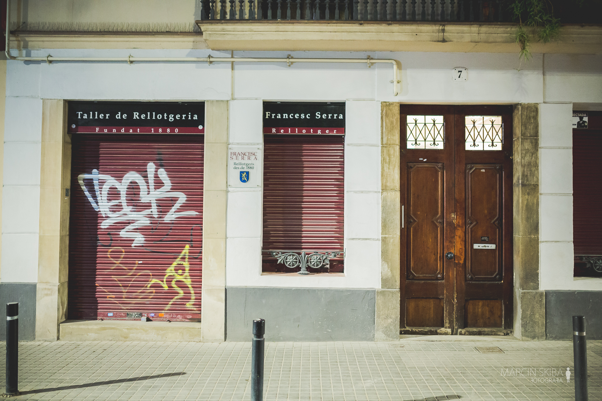 Barcelona streets and doors (32)