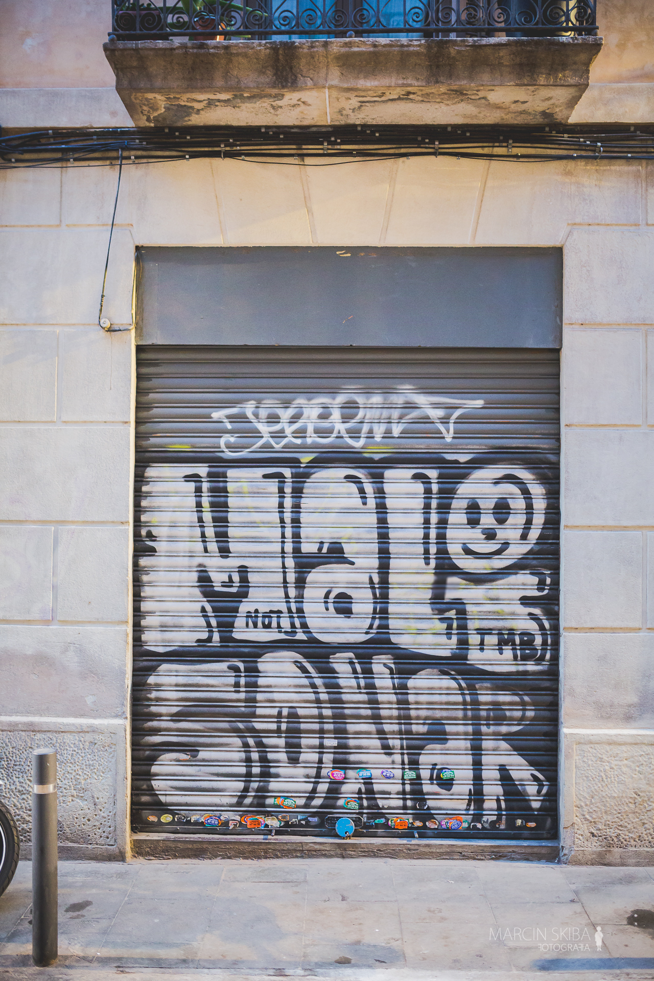 Barcelona streets and doors (47)